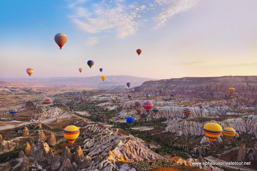 http://www.tourdeefesoprivado.com/wp-content/uploads/2014/11/Cappadocia-Hot-Air-Balloon-Tour-1.jpg