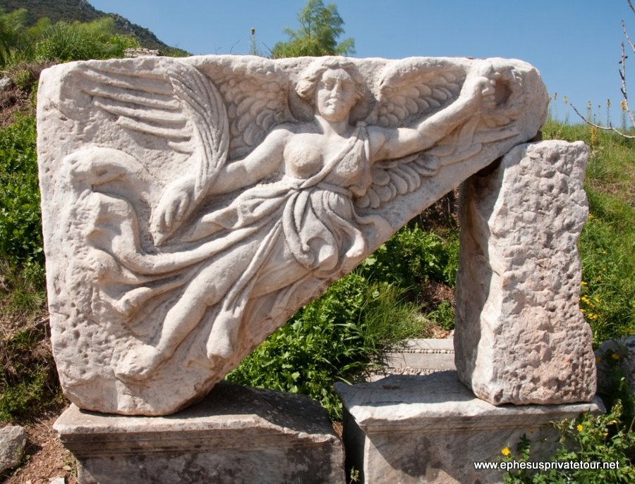 http://www.tourdeefesoprivado.com/wp-content/uploads/2014/11/Ephesus-and-Pamukkale-by-Plane-6.jpg