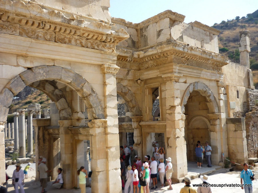 http://www.tourdeefesoprivado.com/wp-content/uploads/2014/11/FULL-DAY-EPHESUS-Semi-PRiVATE-GROUP-TOUR-8.jpg