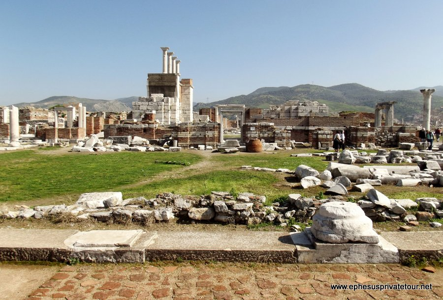 http://www.tourdeefesoprivado.com/wp-content/uploads/2014/11/Full-Day-Ephesus-Tour-3.jpg