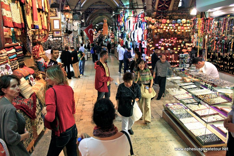 http://www.tourdeefesoprivado.com/wp-content/uploads/2014/11/Half-Day-istanbul-Tour-with-Hagia-Sophia-2.jpg