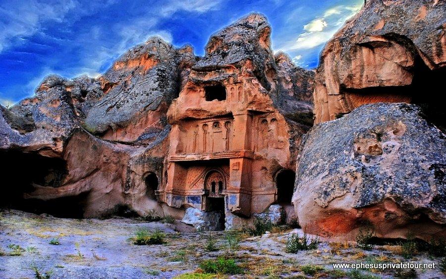 http://www.tourdeefesoprivado.com/wp-content/uploads/2014/11/Rose-Valley-Kaymakli-Underground-city-Cappadocia-1.jpg